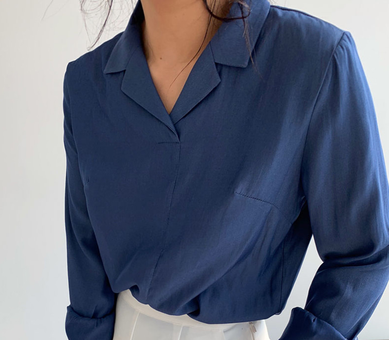 Solid formal blouse