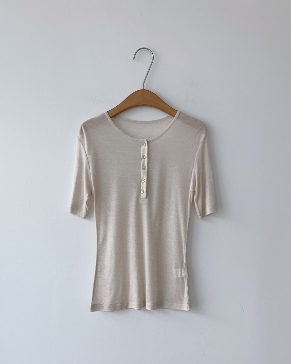 Button corrugated tee