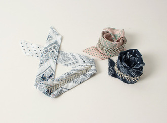 Cubic point paisley bandanna