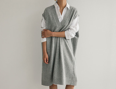 Lamswool V neck dress