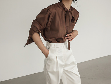 Latte strap blouse