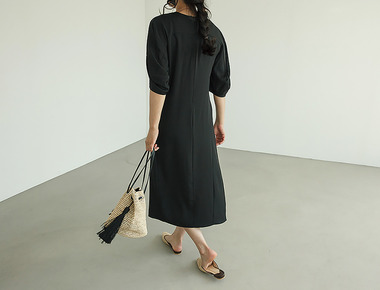 Knotting solid dress