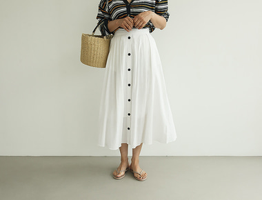Button pleat skirt