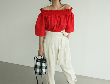 Ruffle banding off shoulder blouse