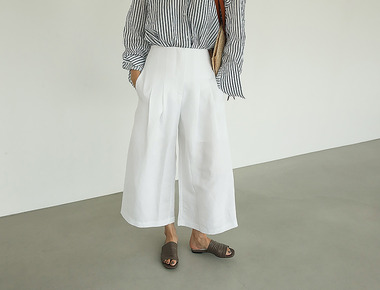 Wide linen pintuck pants