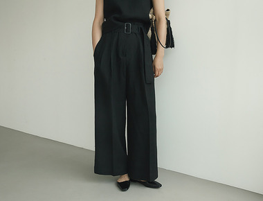 Lacquer belted black pants