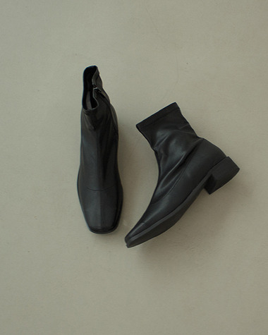 AT153 Modern ankle boots
