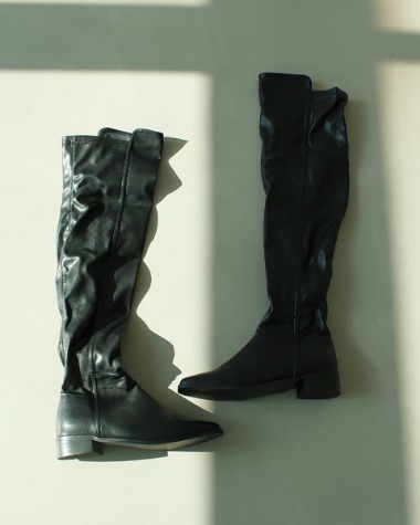 AT164 Black square long boots