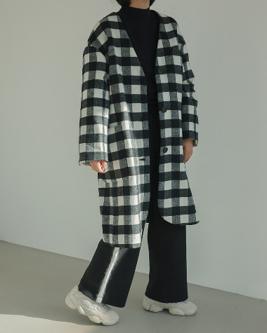 Nocollar check coat