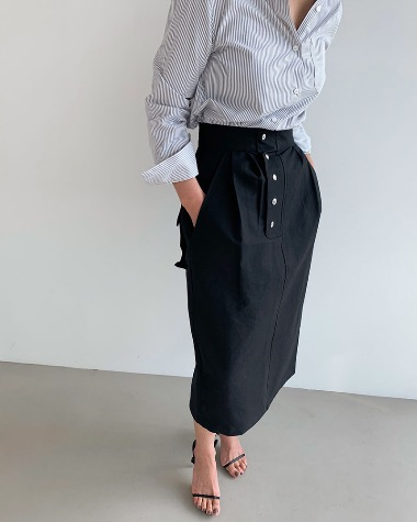 Big pocket button skirt