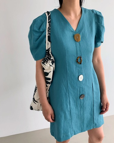 Button point dress