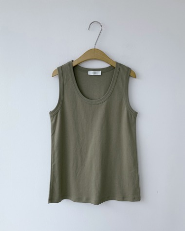 low sleeveless tee