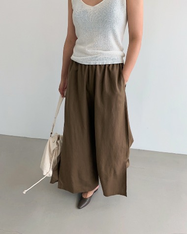 Wide linen slit pants