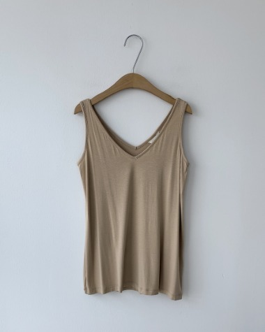 Ray v sleeveless tee