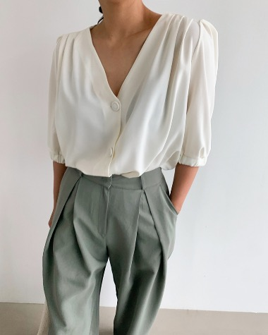 Homes puff blouse