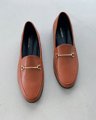MS863 Buckle point loafer