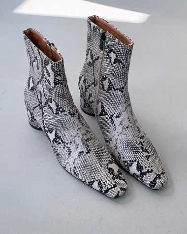 W716 Pattern ankle boots