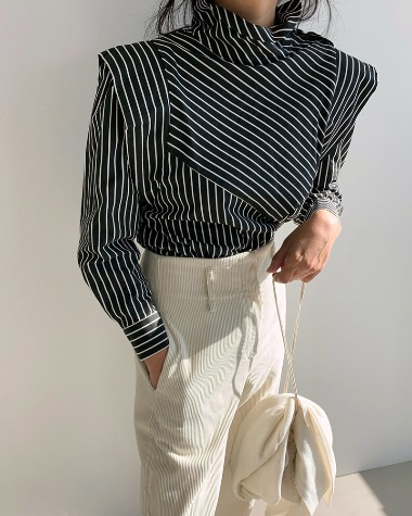 Ruffle stripe blouse
