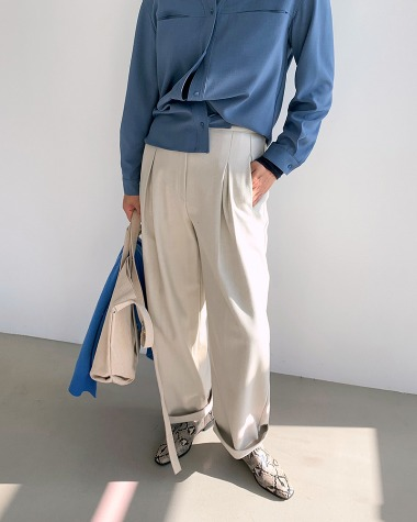 Semi wide pants