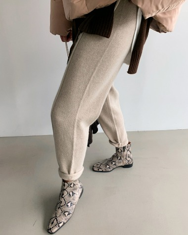 Pintuck knit pants