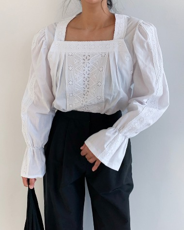 Square punching blouse