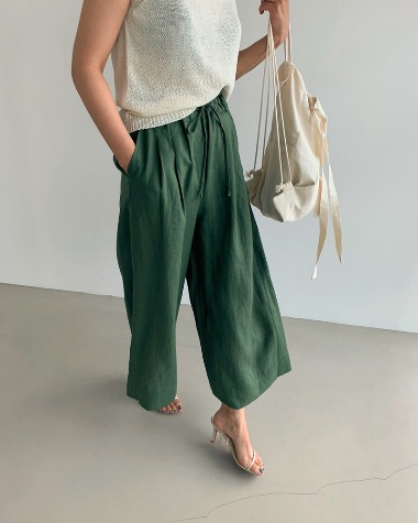 Wide banding pants